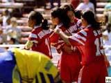 中国女足庆祝胜利