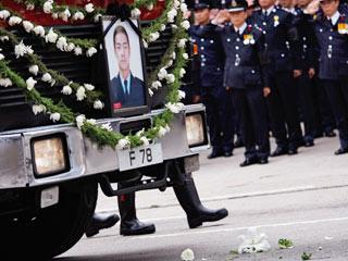香港以最高荣誉丧礼送别殉职消防员
