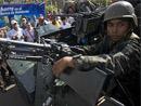 军方切断首都与外界交通