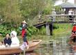 游客拍到傣族女孩真实河中沐浴照