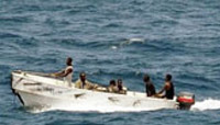 谁养肥了索马里海盗?