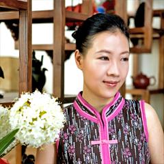 叶檀——斡旋于政治经济之舞台; 《女人创造历史》专访向京;; 李亦非图片