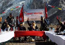 关注哥本哈根气候大会:尼泊尔内阁珠峰开会