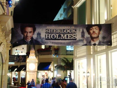现场 里奇/《福尔摩斯》的海报在洛杉矶随处可见