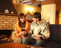 冬天节日喝红酒应该注意什么