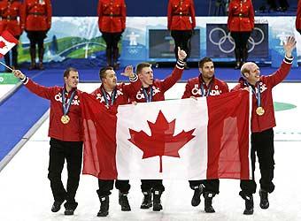 加拿大队夺冠喜笑颜开