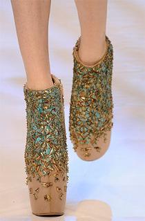 广州鞋展,第九届中国(广州)国际鞋展,2010春夏鞋款,服饰搭配