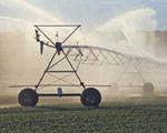 国家和政府,在现实的国情下还不能退出农村用水领域