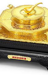 深圳百泰珠宝首饰有限公司总裁曹阳,百泰囍福结婚金饰,百泰富贵八珍,百泰和合盘