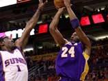 科比镇定自若远掷精准三分 NBA湖人VS太阳