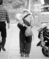 81岁老人第10次进高考考场