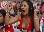 巴拉圭美女美胸夹手机