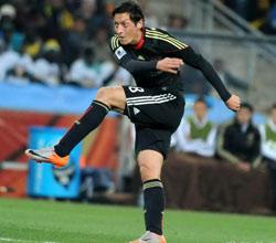 南非世界杯,厄齐尔
