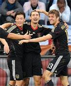 德国球员庆祝进球