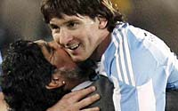 阿根廷,在梅边!