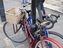 学生们的代步工具--自行车