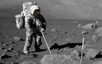 在月球上要重新学习行走