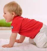 婴幼儿的爬行环境很重要