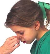 干燥季节BB流鼻血应对技巧