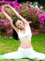教你男人要如何练习瑜伽