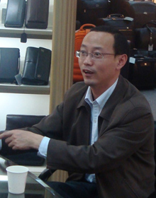海宁副市长施震东