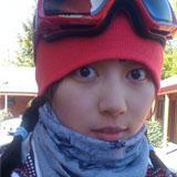 美女达人Vivi滑雪