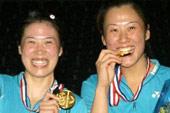 世锦赛夺得女双金牌