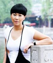 """钱红,原中国游泳运动员。中国泳坛90年代""""五朵金花""""辉煌时代成员之一。"""