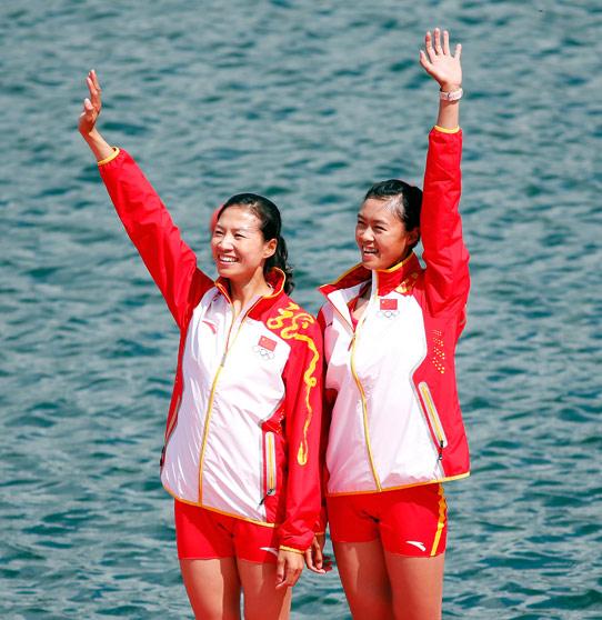 黄文仪和徐东香为中国队拿到了唯一一枚赛艇奖牌