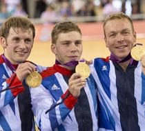 英国队打破场地自行车纪录