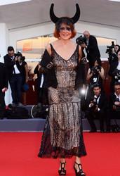69届威尼斯电影节开幕红毯