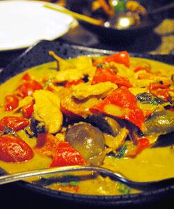 泰国美食 让人沸腾的咖喱鸡