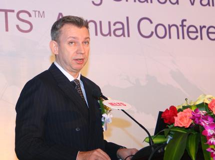 葛思斌,英国大使馆文化教育处考试部东亚区业务总监