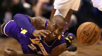 NBA一周图片精选:科比拼命三郎