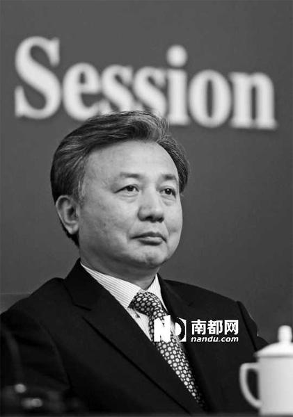 昨日,全国人大法工委副主任郎胜回答记者提问。C FP图片