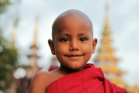 佛祖—您看着我们的眼睛