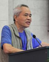 台东大学儿童文学研究所教授兼台东大学儿童文学学院院长林文宝