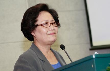 中国教育协会副会长、教育部幼儿教育专家工作委员会副主任朱慕菊