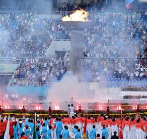 祖国的花朵点燃全运圣火 十二运正式开幕