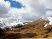 拉萨到林芝:经过海拔5013米的拉山口