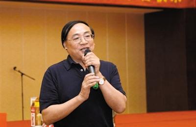 江苏吴中集团董事长朱天晓