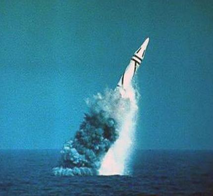 军事新闻专题:中国向乌克兰提供核保护
