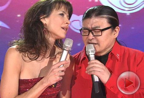 2014央视马年春节晚会 苏菲-玛索刘欢《玫瑰人生》