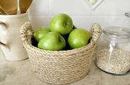 竹编的果蔬篮子