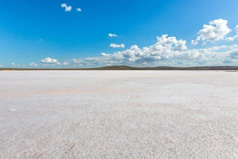 克里米亚的壮观盐漠奇景