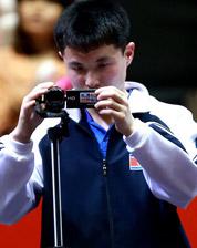 朝鲜队员场边拍视频