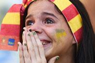 29日表情:点球大战球迷看哭