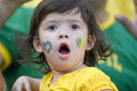 巴西萌娃堪比表情帝