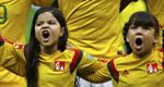 巴西女童不离不弃吼唱国歌