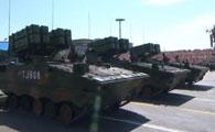红箭-10反坦克战车方队